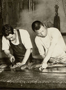 マルハチ村松初期の仕事風景