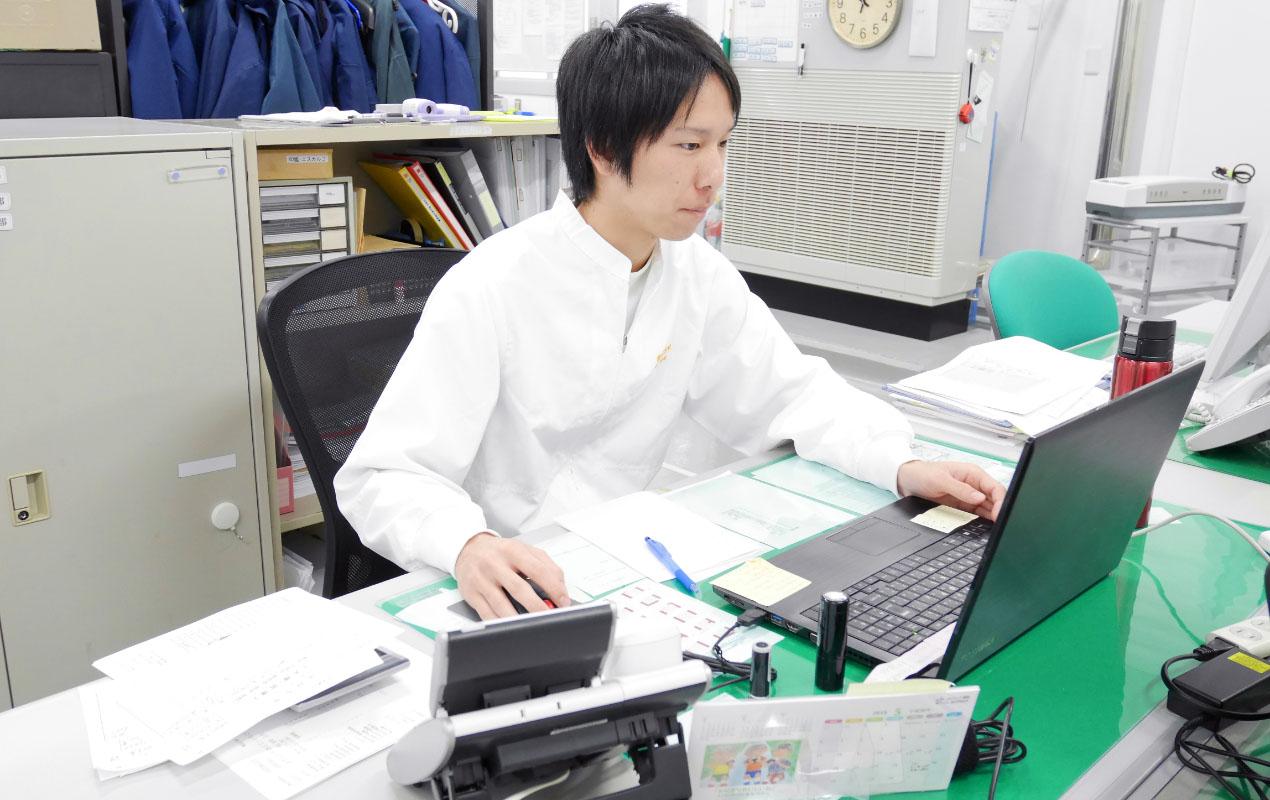 山田 竣介さんの仕事風景1